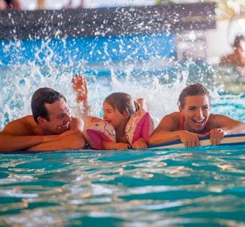 Parks mit Schwimmbad