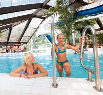 Parken met overdekt zwembad